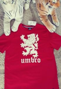 ⚽BNWT Umbro Lion supersoft soccer tee⚽